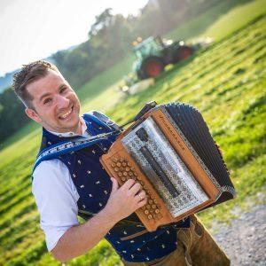 Harmonika Lehrer Adrian Kehr