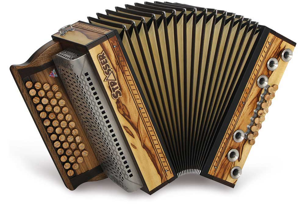 Strasser Harmonika im Rhön Harmonika-Laden